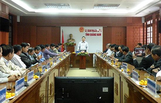 Phó Chủ tịch UBND tỉnh Lê Trí Thanh phát biểu tại cuộc gặp mặt với lãnh đạo các HTX tiêu biểu.Ảnh: VĂN SỰ