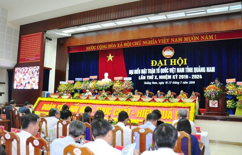 Đại hội Đại biểu MTTQ Việt Nam tỉnh lần thứ X, nhiệm kỳ 2019 - 2024 chính thức khai mạc. Ảnh: VINH ANH